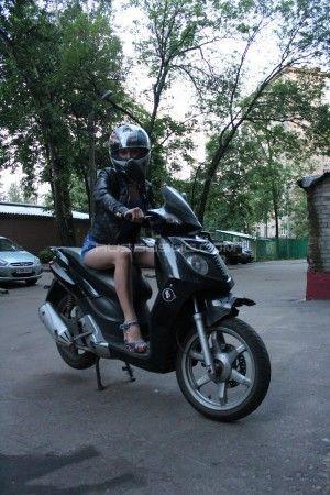 Проститутка Карина с выездом по Москве рядом с метро Алексеевская в возрасте 24