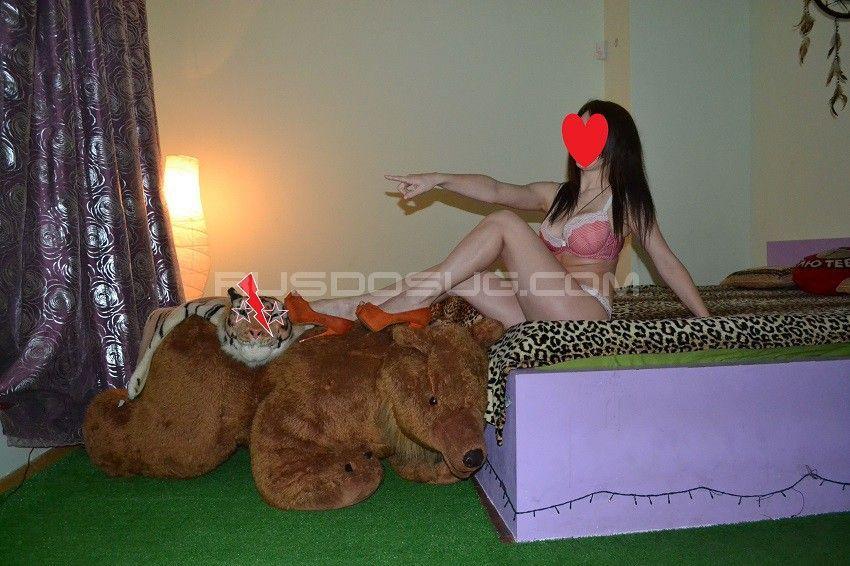 Проститутка Юля с выездом по Москве рядом с метро Менделеевская в возрасте 23