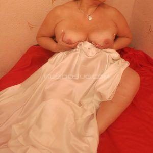Проститутка Оля с выездом по Москве рядом с метро Октябрьское Поле в возрасте 45