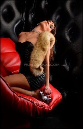 Проститутка Аленка с выездом по Москве рядом с метро Октябрьское Поле в возрасте 25