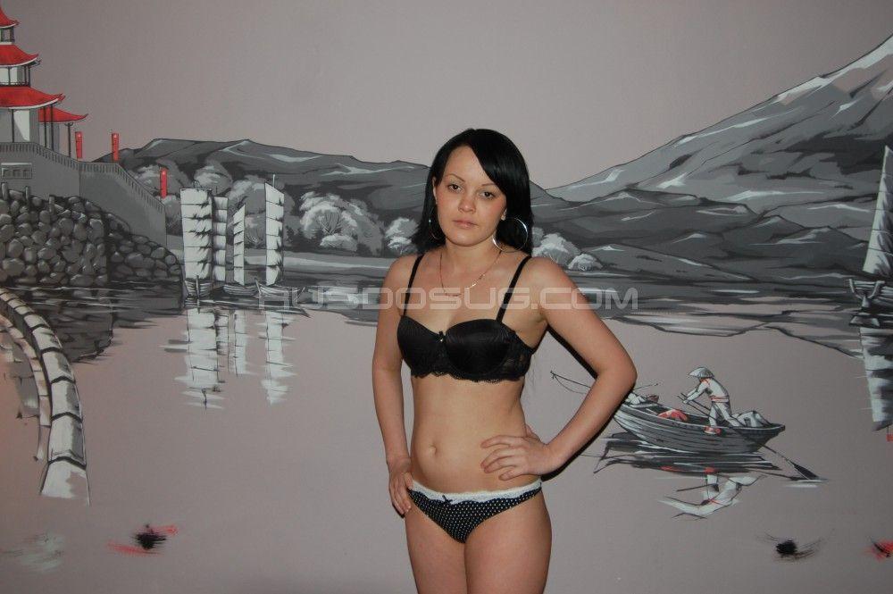 Проститутка Азизи с выездом по Москве рядом с метро Братиславская в возрасте 22
