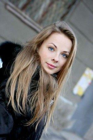 Проститутка Алина с выездом по Москве рядом с метро Комсомольская в возрасте 21