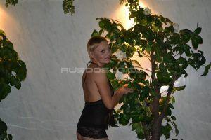 Проститутка Жанна с выездом по Москве рядом с метро Братиславская в возрасте 32