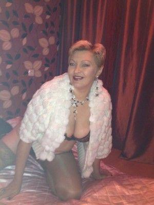Проститутка Юля с выездом по Москве рядом с метро Аннино в возрасте 37