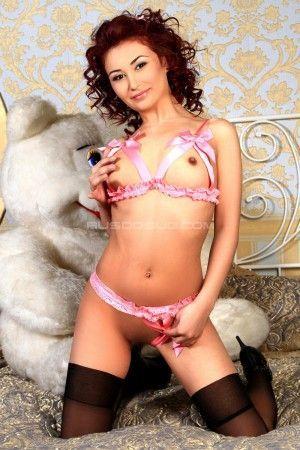 Проститутка Я в мини, на шпильках без трусиков! с выездом по Москве рядом с метро Автозаводская в возрасте 20