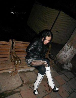 Проститутка Рита с выездом по Москве рядом с метро Нагорная в возрасте 28