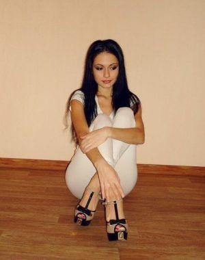 Проститутка Оля с выездом по Москве рядом с метро Проспект Мира в возрасте 23