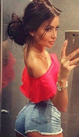 Проститутка Алина с выездом по Москве рядом с метро Печатники в возрасте 24