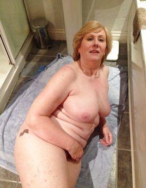 Проститутка Инесса с выездом по Москве рядом с метро Хорошёво в возрасте 51