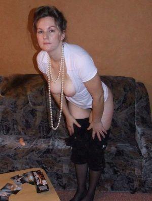 Проститутка Оксана с выездом по Москве рядом с метро Александровский сад в возрасте 35