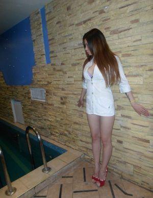 Проститутка Саша с выездом по Москве рядом с метро Ботанический сад в возрасте 25