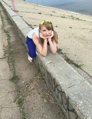 Проститутка Лариса с выездом по Москве рядом с метро Строгино в возрасте 26