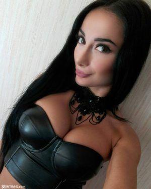 Проститутка Даша с выездом по Москве рядом с метро Трубная в возрасте 23