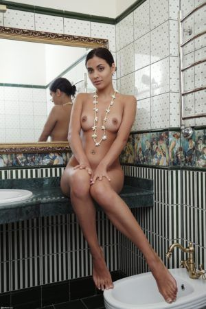 Проститутка Ангелина с выездом по Москве рядом с метро Свиблово в возрасте 22