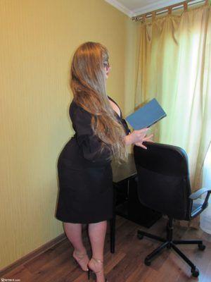 Проститутка Василиса с выездом по Москве рядом с метро Волжская в возрасте 28