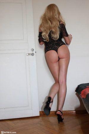 Проститутка Аня с выездом по Москве рядом с метро Воробьёвы горы в возрасте 23