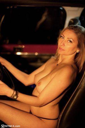 Проститутка Аня с выездом по Москве рядом с метро Кропоткинская в возрасте 26