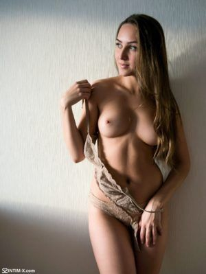 Проститутка Оксана с выездом по Москве рядом с метро Андроновка в возрасте 24