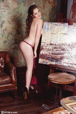 Проститутка Сабрина с выездом по Москве рядом с метро Профсоюзная в возрасте 22