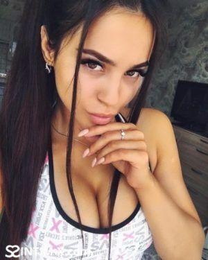 Проститутка Марина с выездом по Москве рядом с метро Бауманская в возрасте 25