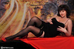 Проститутка Юлия с выездом по Москве рядом с метро Боровицкая в возрасте 37