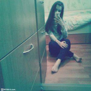 Проститутка Карина с выездом по Москве рядом с метро Алексеевская в возрасте 25