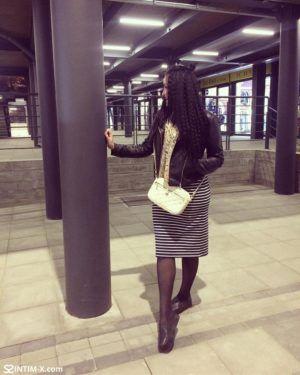Проститутка Карина с выездом по Москве рядом с метро Текстильщики в возрасте 25