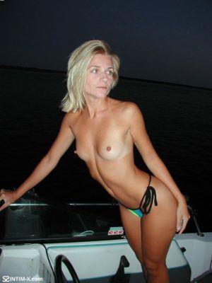 Проститутка Кристина с выездом по Москве рядом с метро Александровский сад в возрасте 33