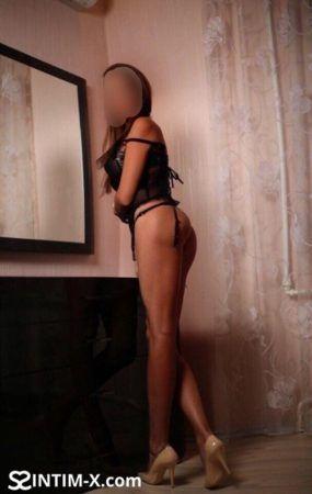 Проститутка Елена с выездом по Москве рядом с метро Новогиреево в возрасте 24