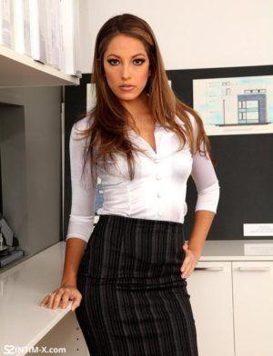 Проститутка Оля с секс услугами в Москве